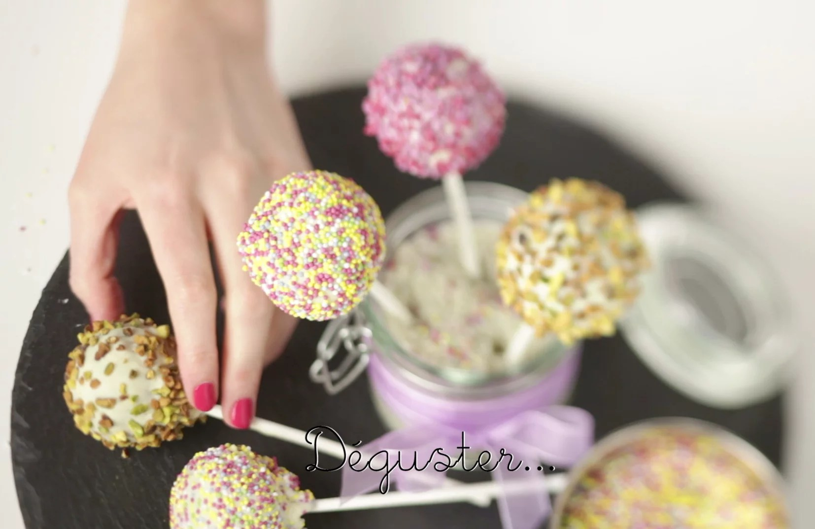 cake pops recette en video. Black Bedroom Furniture Sets. Home Design Ideas