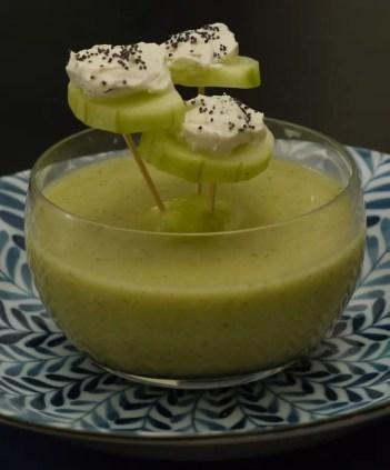 Soupe-concombre-piques-concombres-fromage-frais-2