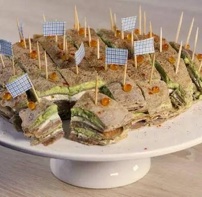 Gâteau de crêpes salées saumon-avocat