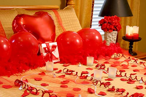 40 Ideas For Unforgettable Romantic Surprise That You Can do - romantic bedroom ideas for him