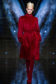 donna-karan-fall-winter-2014-show27