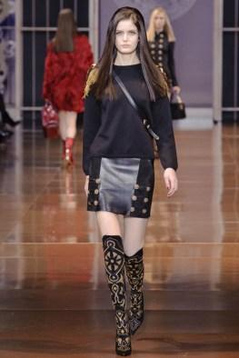 versace-fall-winter-2014-show19