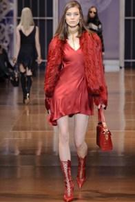 versace-fall-winter-2014-show23