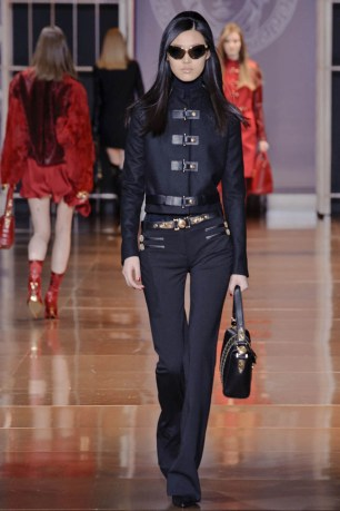 versace-fall-winter-2014-show25