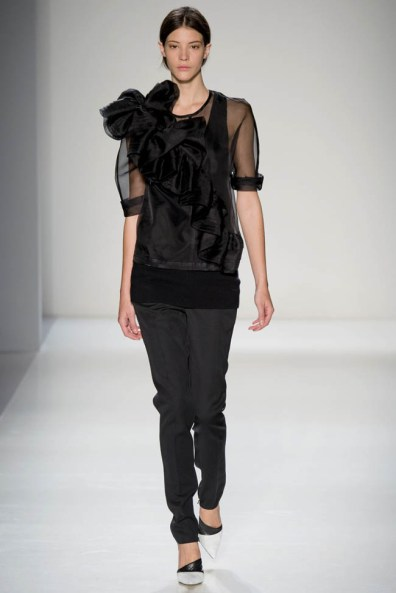 victoria-beckham-fall--winter-2014-show25