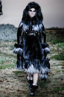 Alexander McQueen Fall/Winter 2014 | Paris Fashion Week