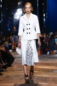 Dior-Spring-2016-Haute-Couture10
