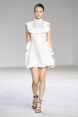 Giambattista-Valli-Spring-2016-Haute-Couture-Runway09