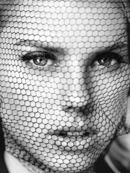 Charlotte-McKinney-Nude-GQ-Mexico-2016-Photoshoot10