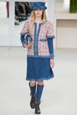 Chanel-2016-Fall-Winter-Runway10