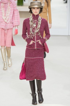 Chanel-2016-Fall-Winter-Runway15