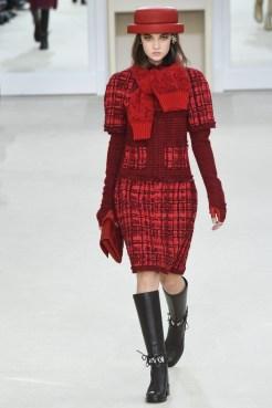 Chanel-2016-Fall-Winter-Runway20