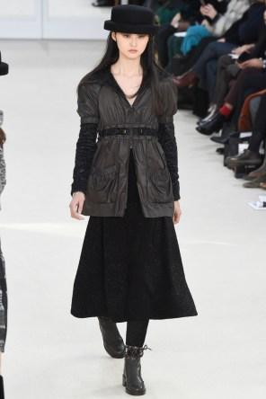 Chanel-2016-Fall-Winter-Runway32