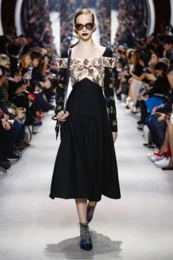 Dior-2016-Fall-Winter-Runway10