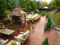 Beautiful backyard garden - FaveThing.com