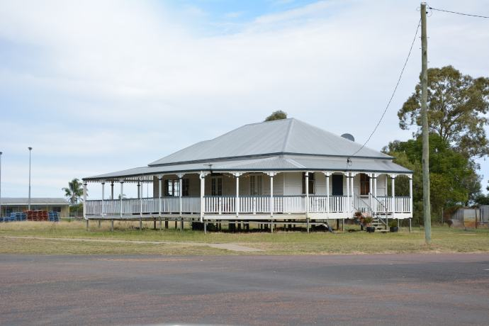 Pretty standard old Queensland home in Tambo