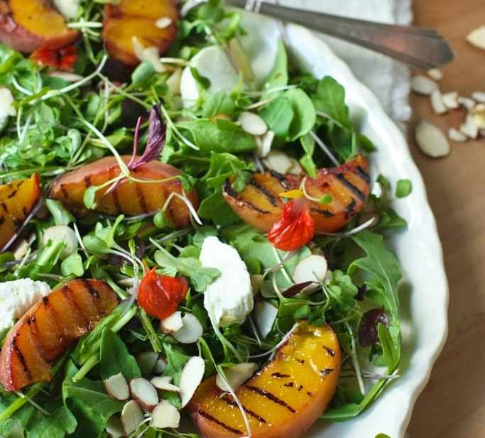 Grilled Peach and Arugula Salad with White Balsamic Vinaigrette | www.feastingathome.com
