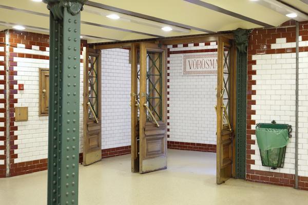 Budapest - Metro Inside