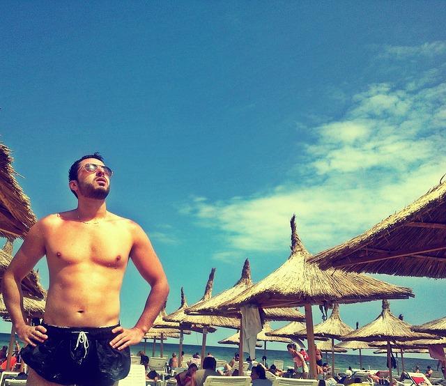 beach-447387_640