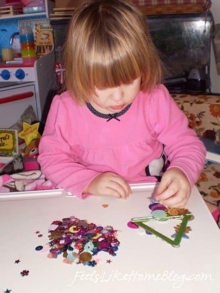 Christmas Ornaments Preschoolers Can Make