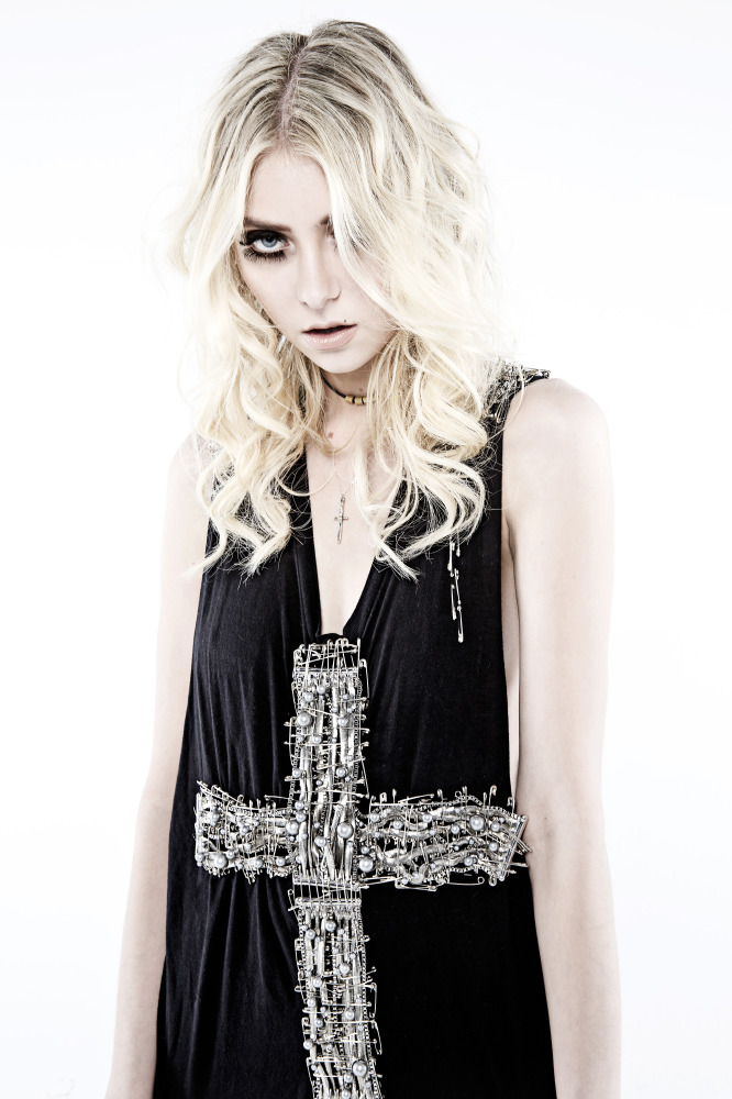 Wallpaper Fall Out Boy Taylor Momsen Exclusive Talks Going To Hell The Pretty