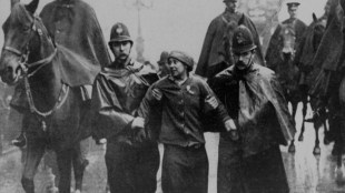 Sylvia-Pankhurst-being-arrested