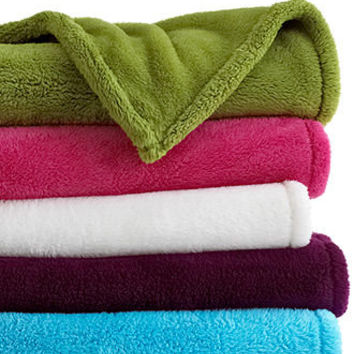 Elegant Throws For Style, Attitude And Warmth