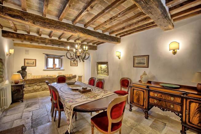 Luxus Ferienhaus Italien für 12 Personen in Monterchi Ferienhaus - esszimmer 12 personen