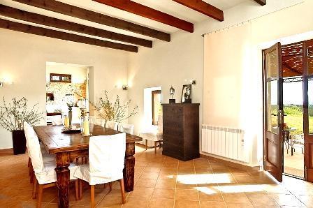 ... Finca 8 Personen Portocolom Ferienhaus Mallorca   Esszimmer 8 Personen  ...