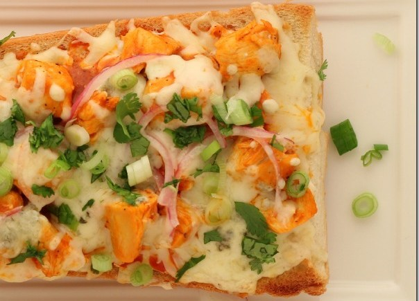 buffalo-chicken-french-bread-pizza-3_thumb.jpg