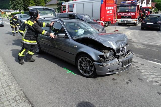 Auffahrunfall fordert zwei Verletzte