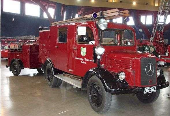 LF8 Mercedes Benz_4jpg (589×402) Feuerwehrfahrzeuge Pinterest - firefighter resume