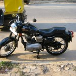 Une moto Royal Enfield