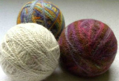 DIY Wool Dryer Balls, FiberArtsy.com