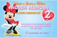 Invitaciones de Minnie Mouse con vestido rojo de lunares