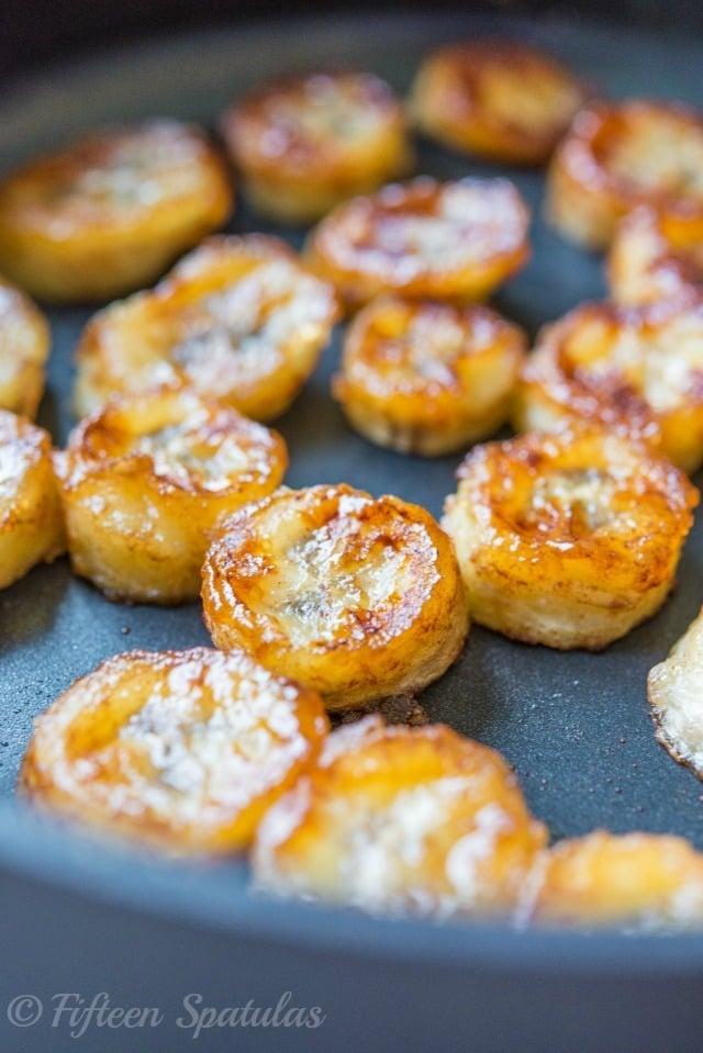 Caramelized Honey Bananas Recipe with Cinnamon @fifteenspatulas