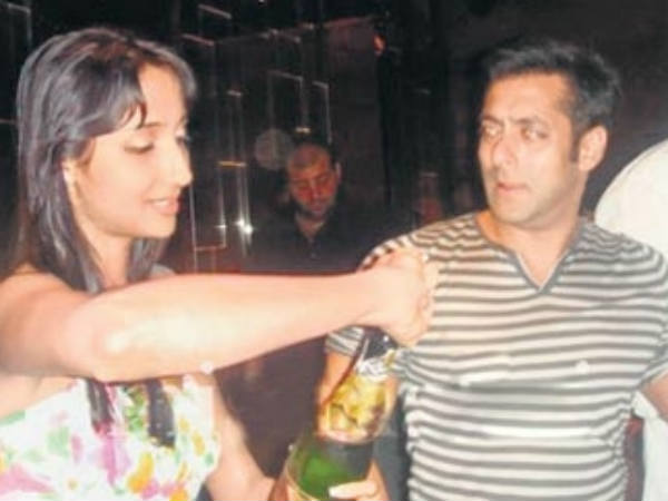 Cute Sisters Love Wallpapers Bollywood Stars Drunk Shahrukh Khan Salman Khan