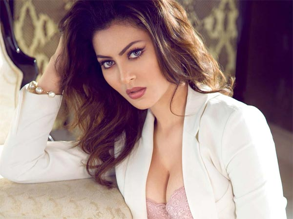 Great Grand Masti Full Movie Watch Great Grand Masti Full Movie Online 123movies Urvashi Rautela To Star In Hate Story 4 But Has