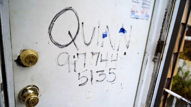 DSC03290_Quinn number on door