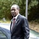 Burkina: Blaise Compaoré s'éclaire au soleil