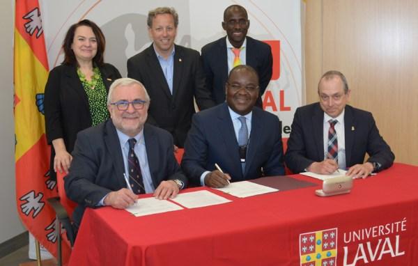 signature-accord-cadre-mai-2015