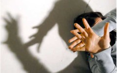 Abusi ripetuti sulla fidanzata: in manette 48enne fiorentino