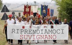 Mafia, in mille marciano contro la vendita all'asta di Suvignano
