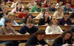 Pisa, Università, studenti in piazza: «No al numero chiuso, è una discriminazione»