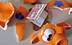 Risparmio, la crisi ha colpito due famiglie su tre