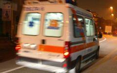 Massa, vaga di notte con la gola insanguinata: soccorso da un gruppo di giovani