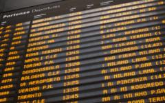 In tilt i monitor delle stazioni di Firenze e Bologna