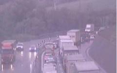 Incidenti stradali, tir in fiamme sulla A1 tra Arezzo e Valdarno