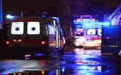 Scontro tra due auto, un morto e 7 feriti