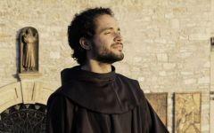 A Firenze canta Frate Alessandro, la voce di Assisi